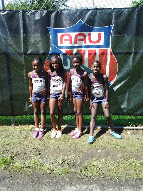 9-10 girls 4x100 medalists