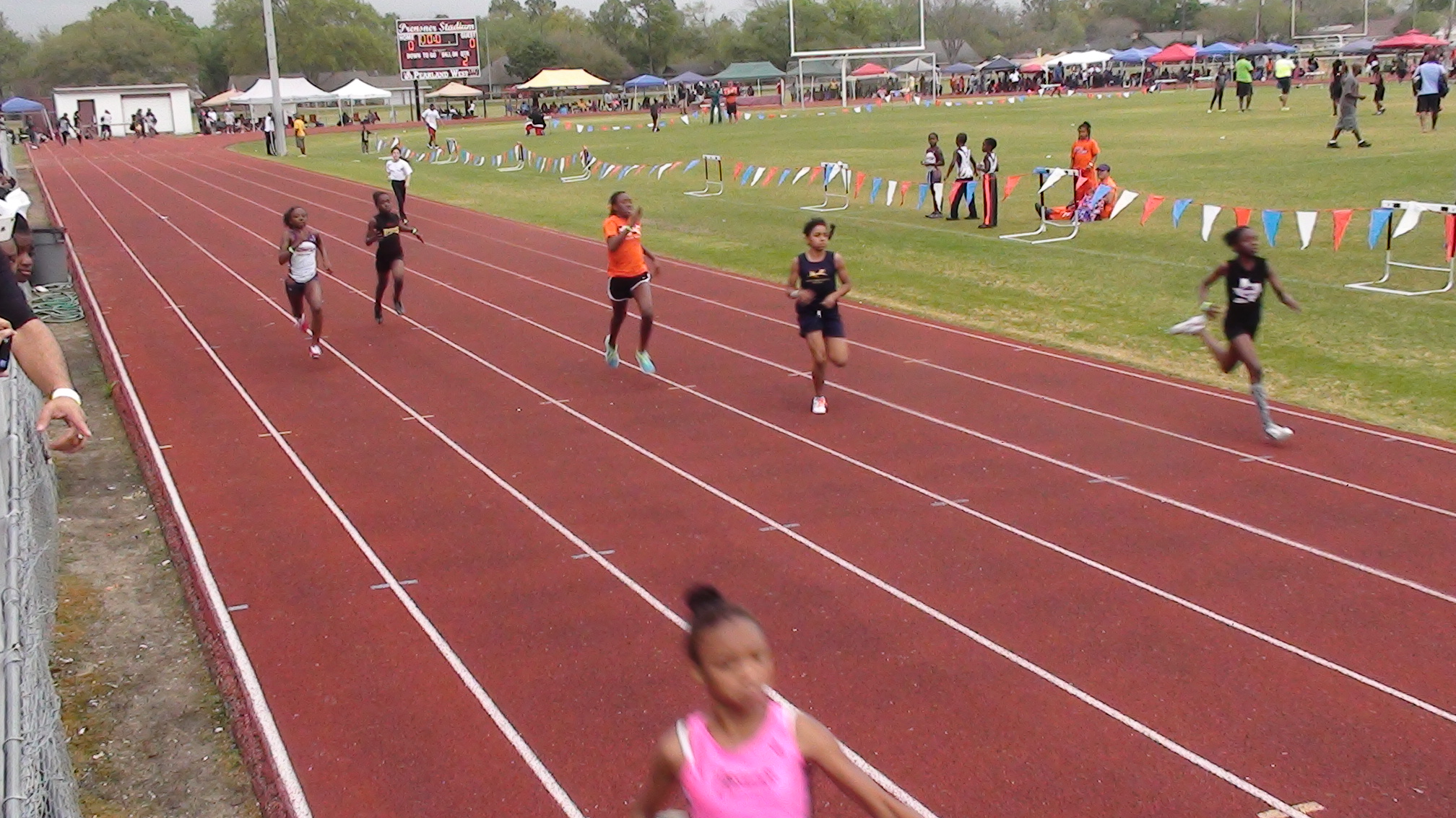 Carson running in the 200m
