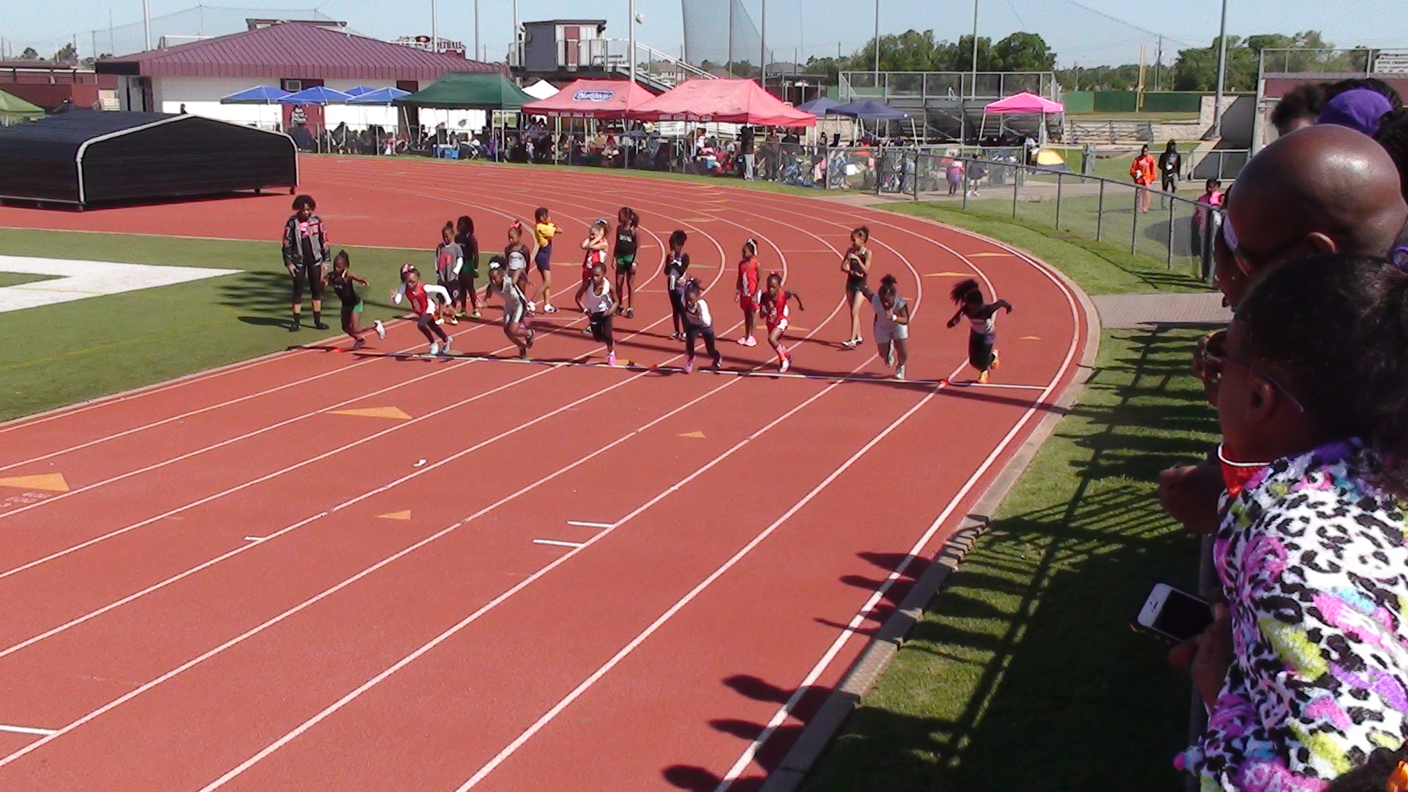 Tyra and Nylah in the 100