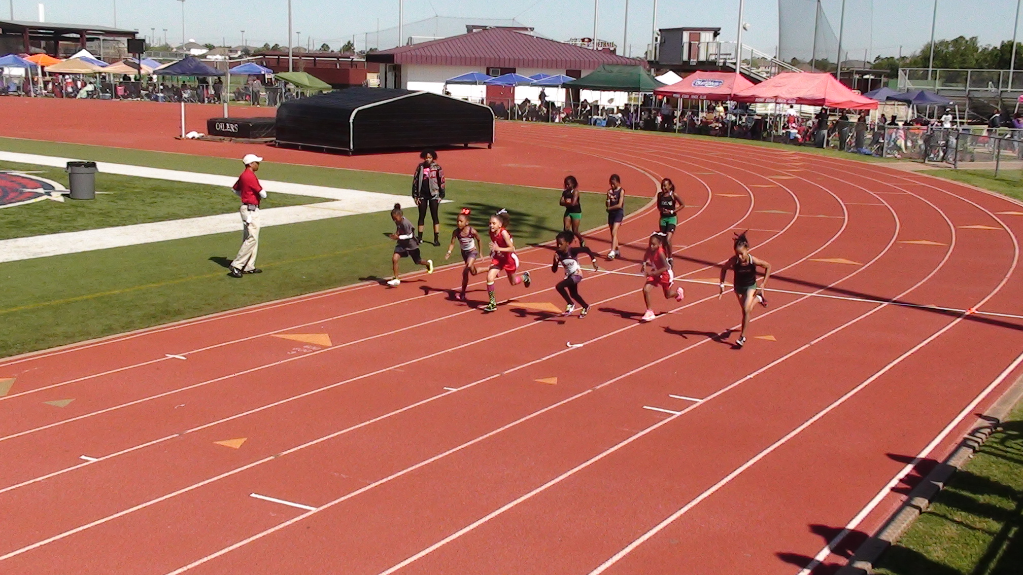Zaylee and Ja\'Queriyah in the 100