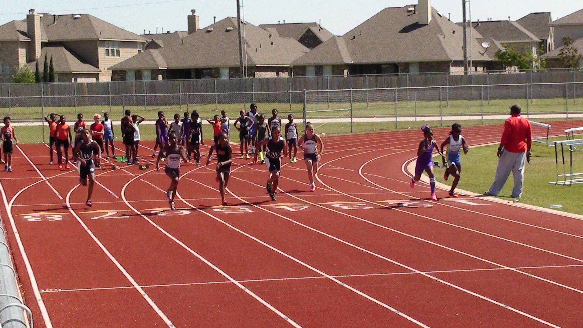 Taliya and Trinity running the 100m