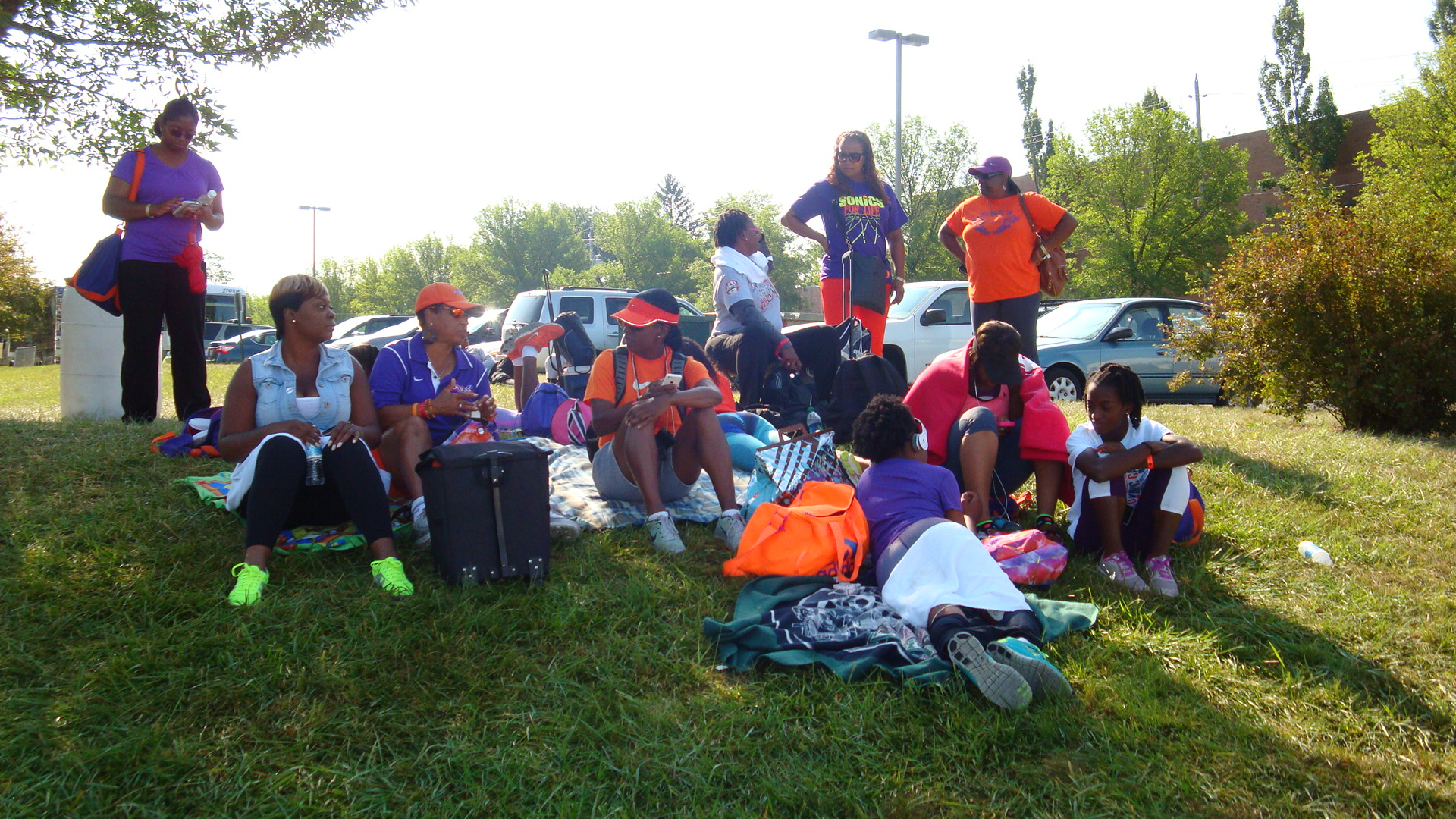 Sonics camp outside the stadium