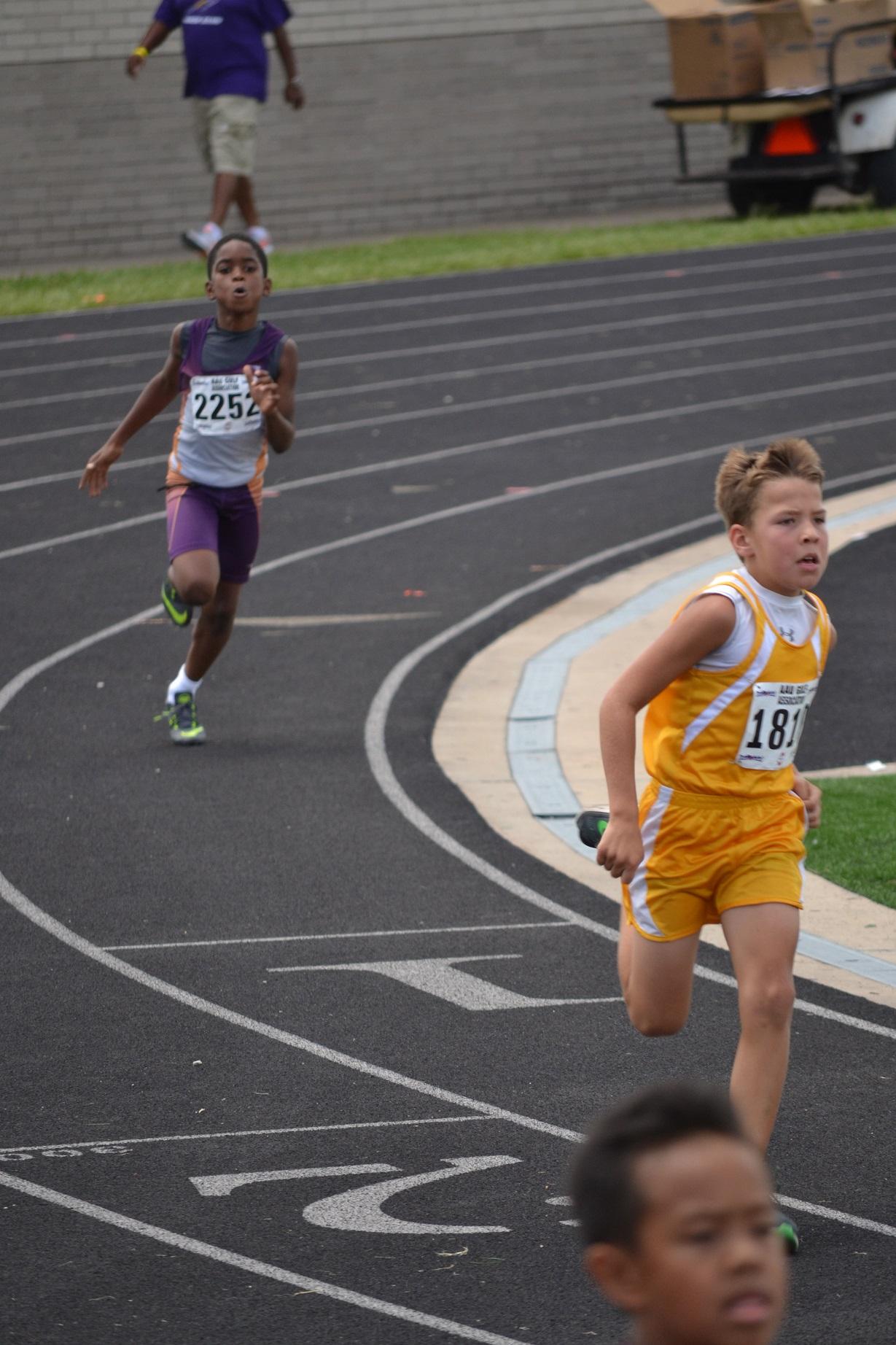 Emmanuel running the 400m