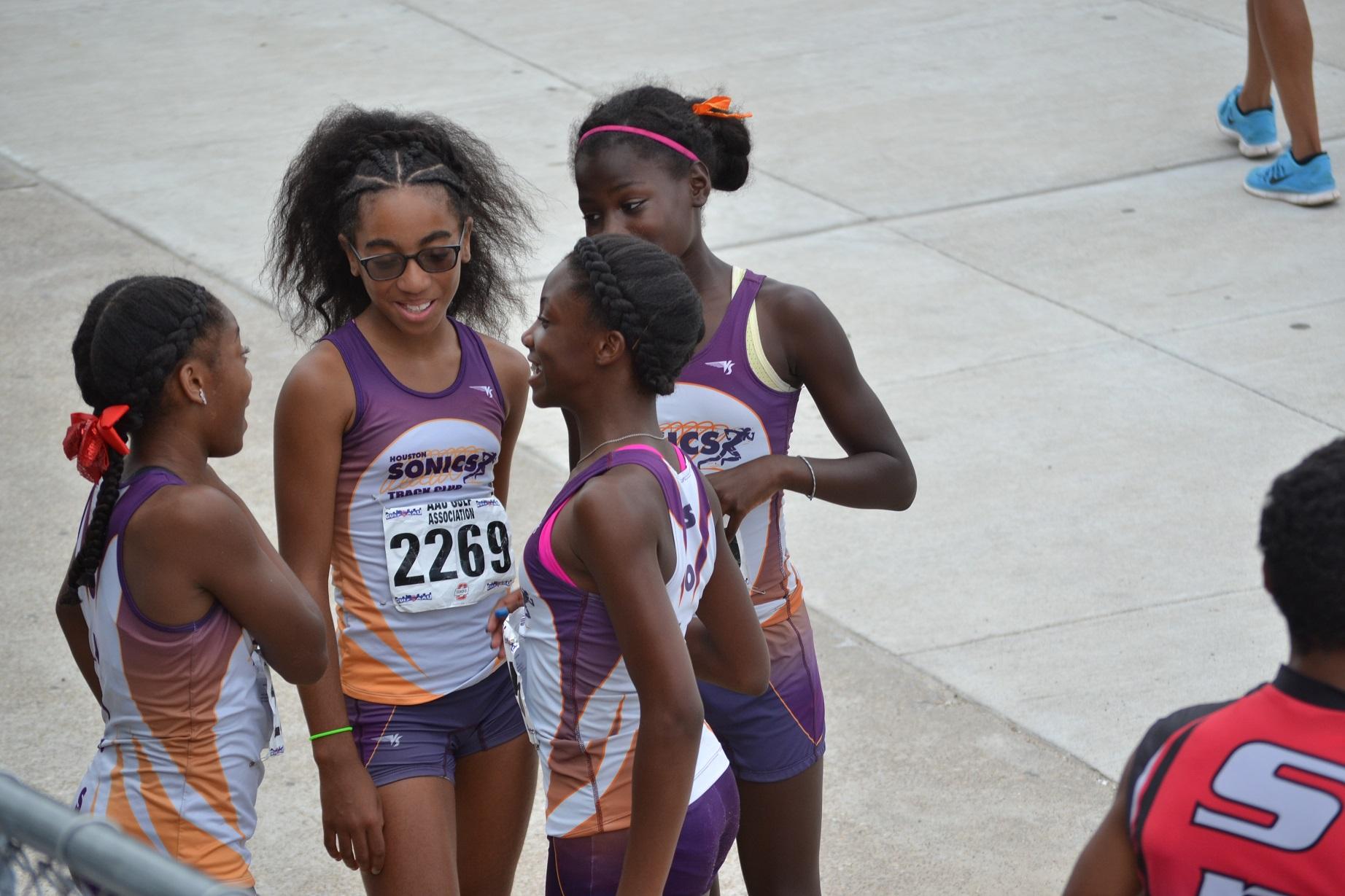 Midget girls 4x400m relay team