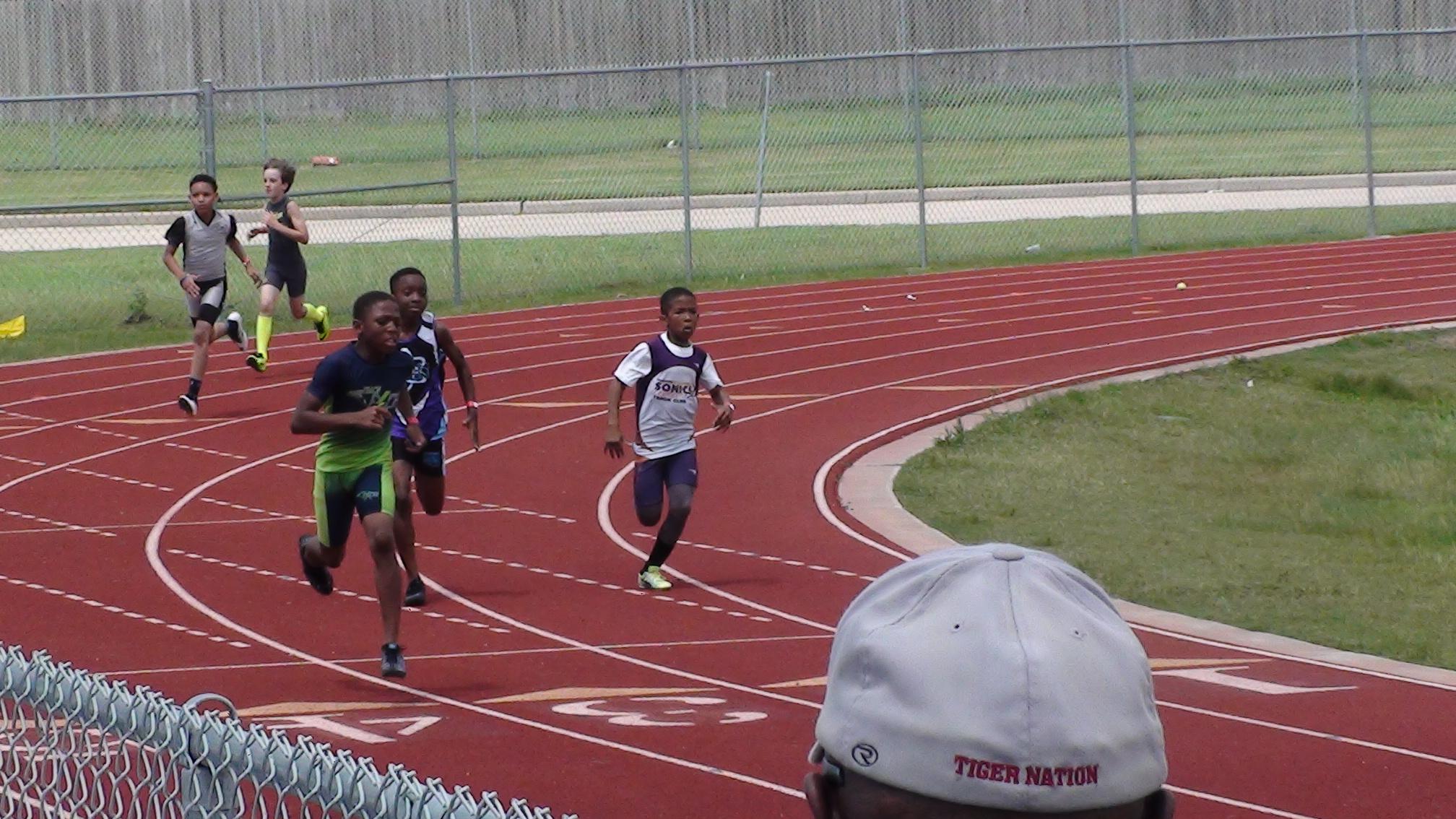 Arik in the 400m