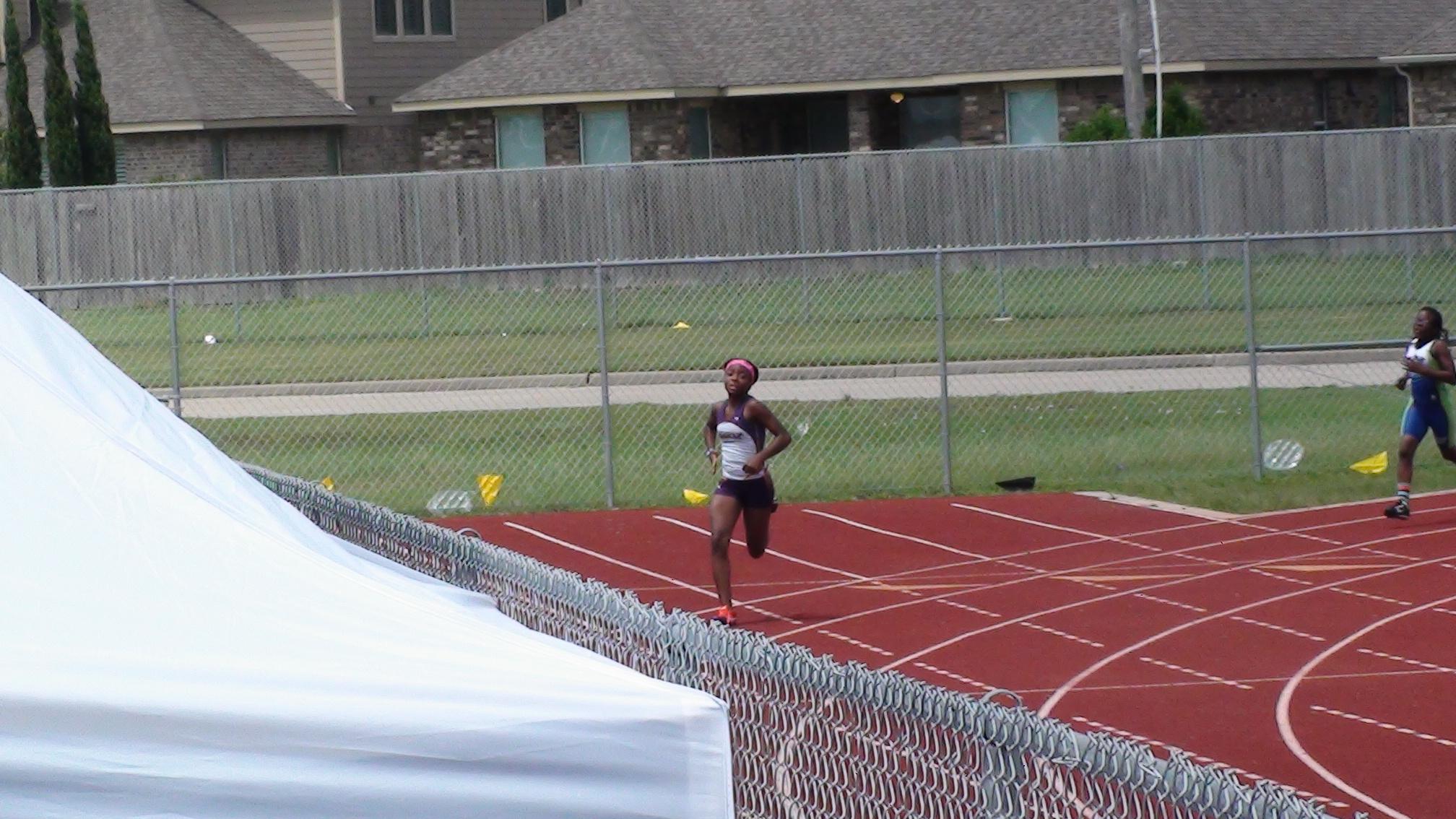 Jurnee in the 400m