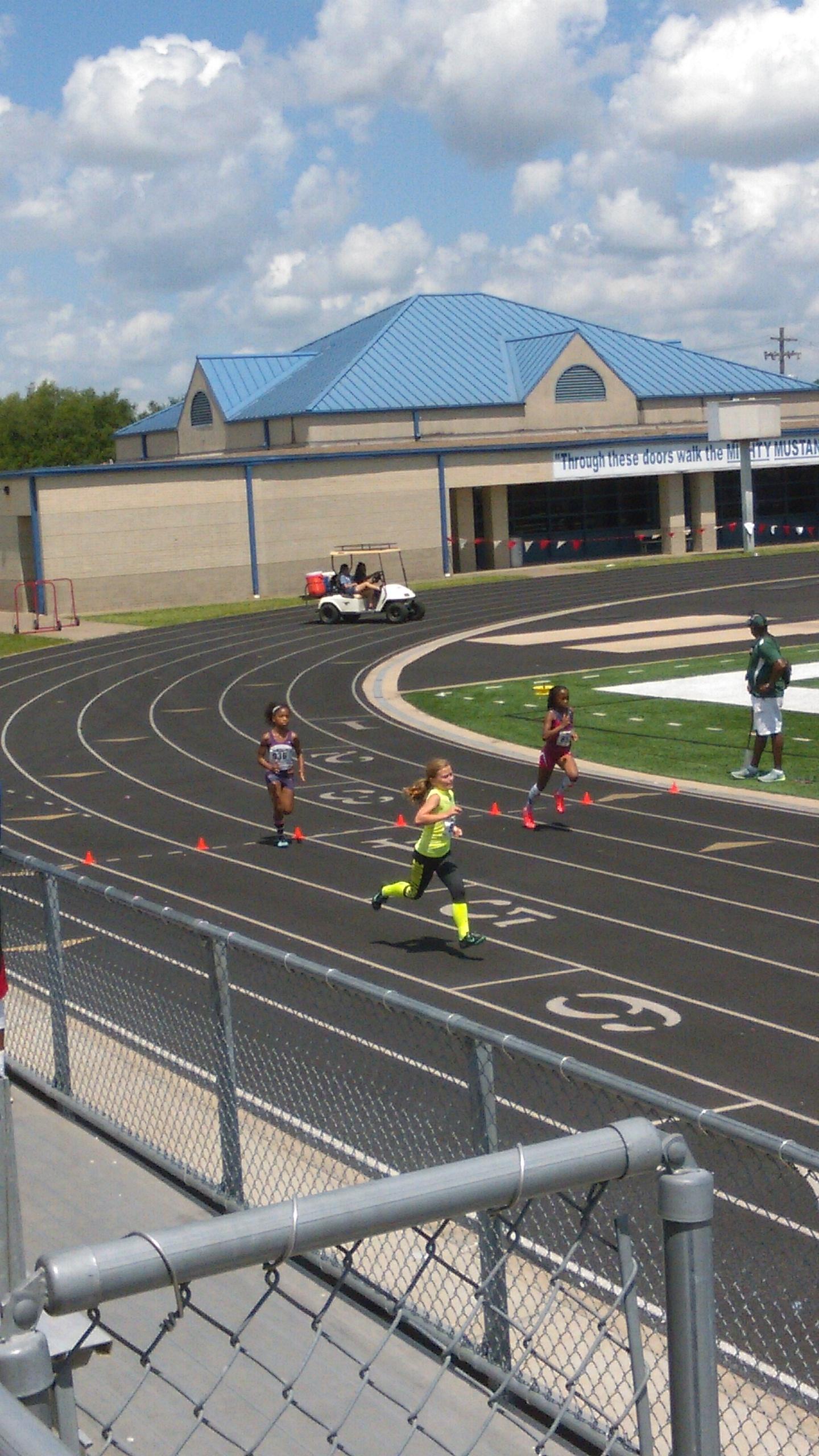 Shayda running the 800