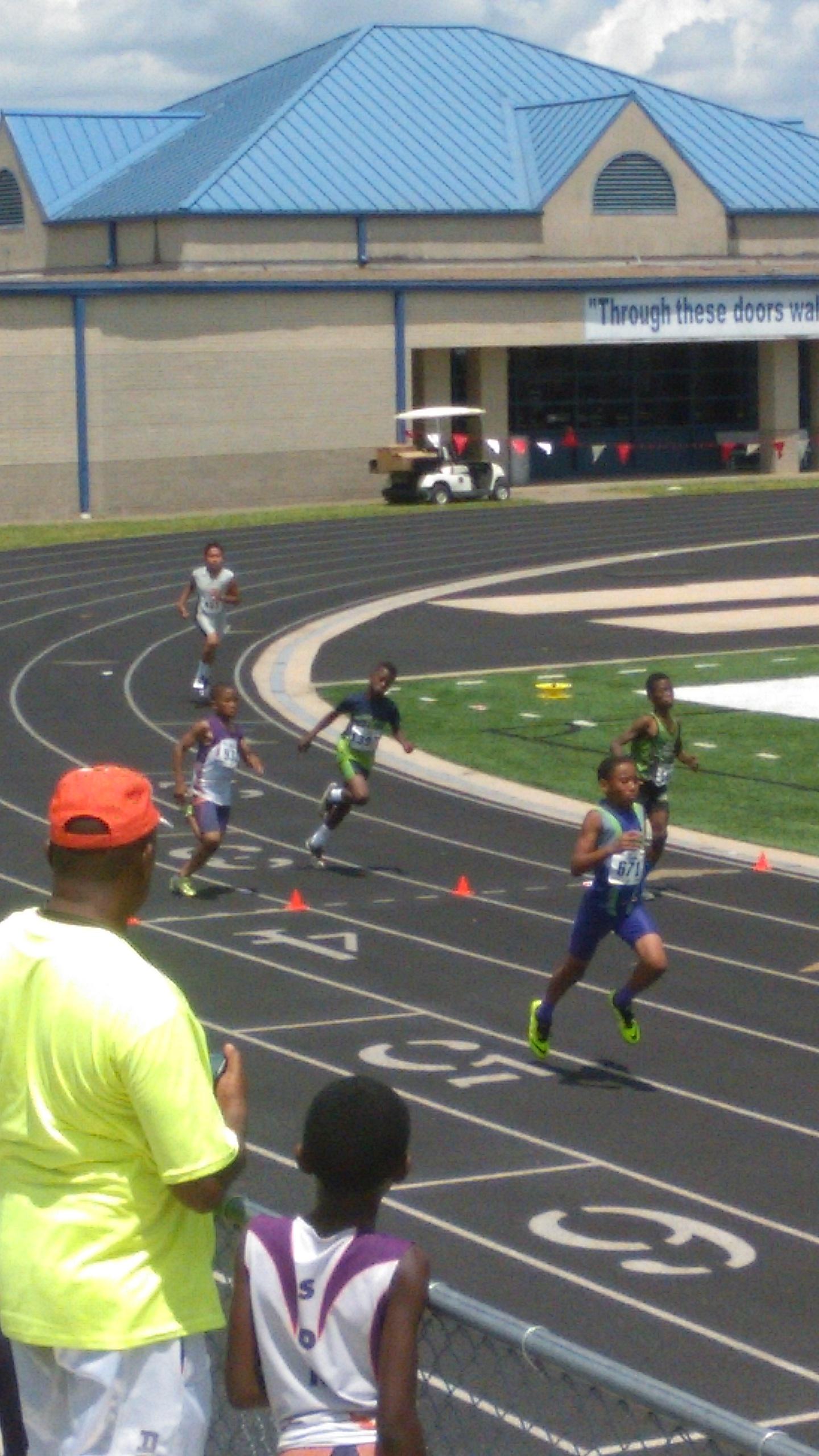 Arik running his first ever 800