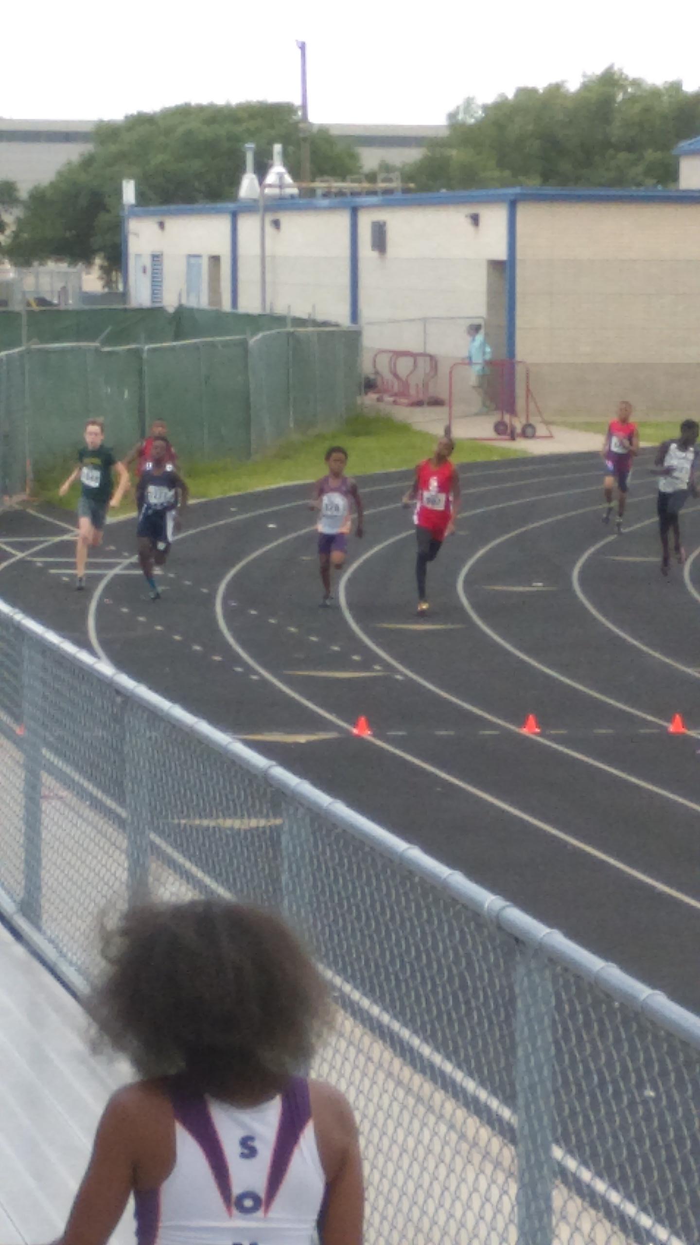 Davon running the 800