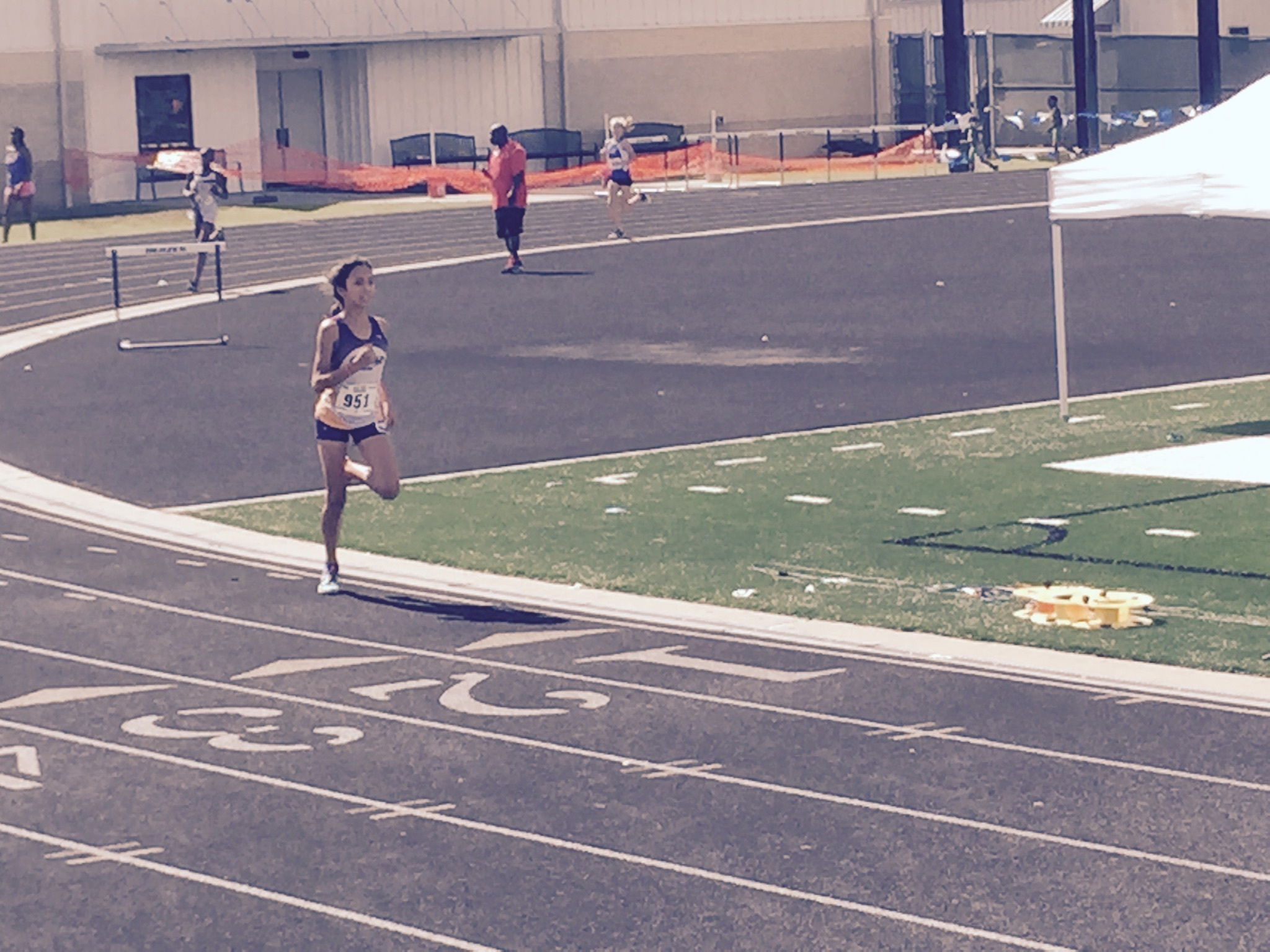 Michelle running the 800