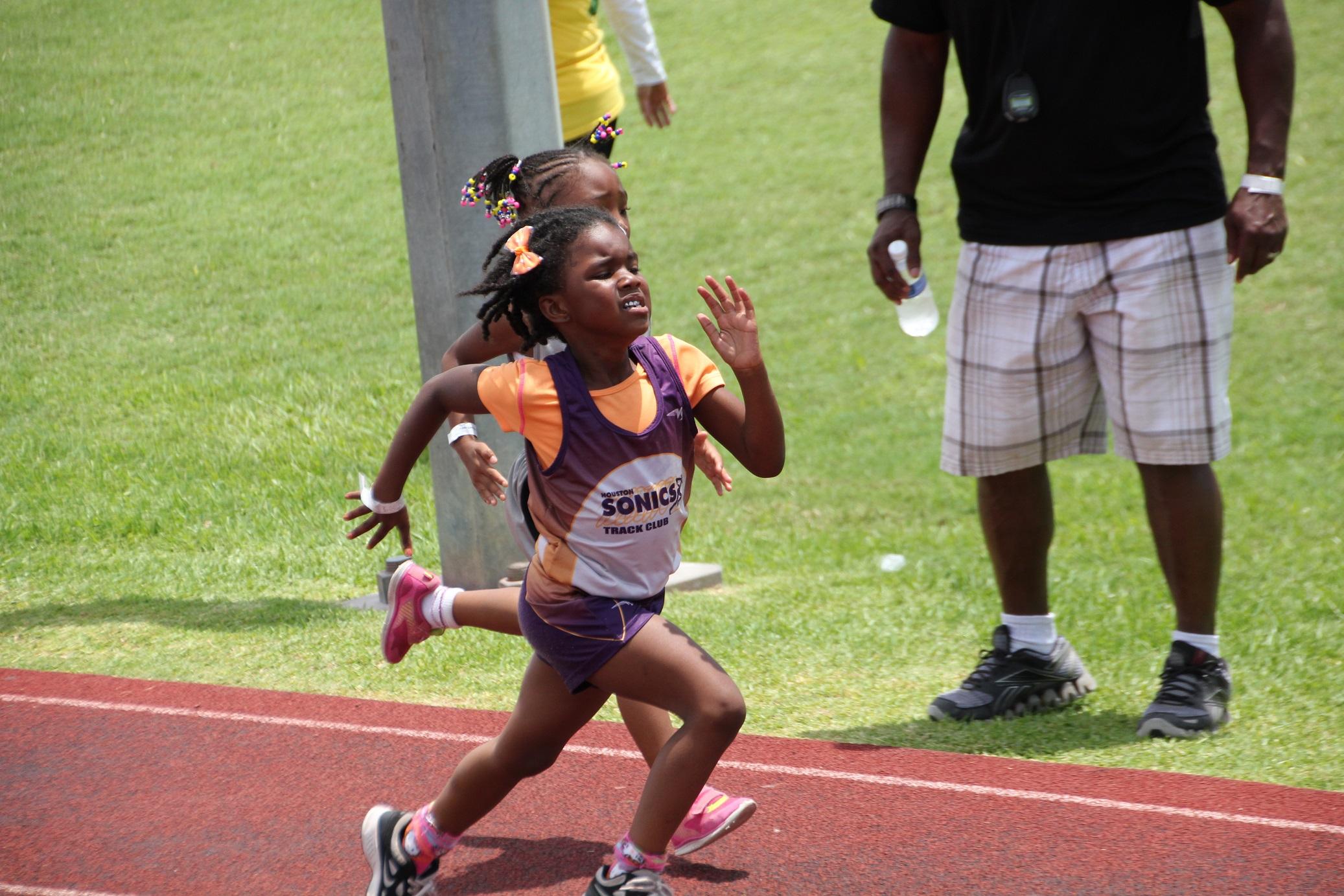 Navaeh running the 400m