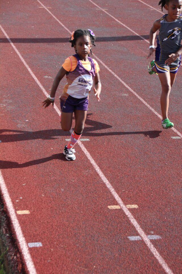 Navaeh running the 100m