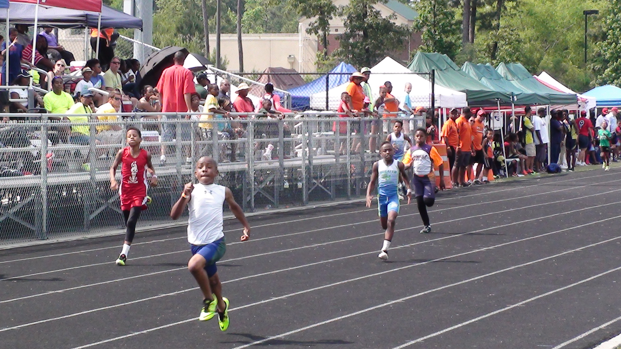Kenneth running the 200m