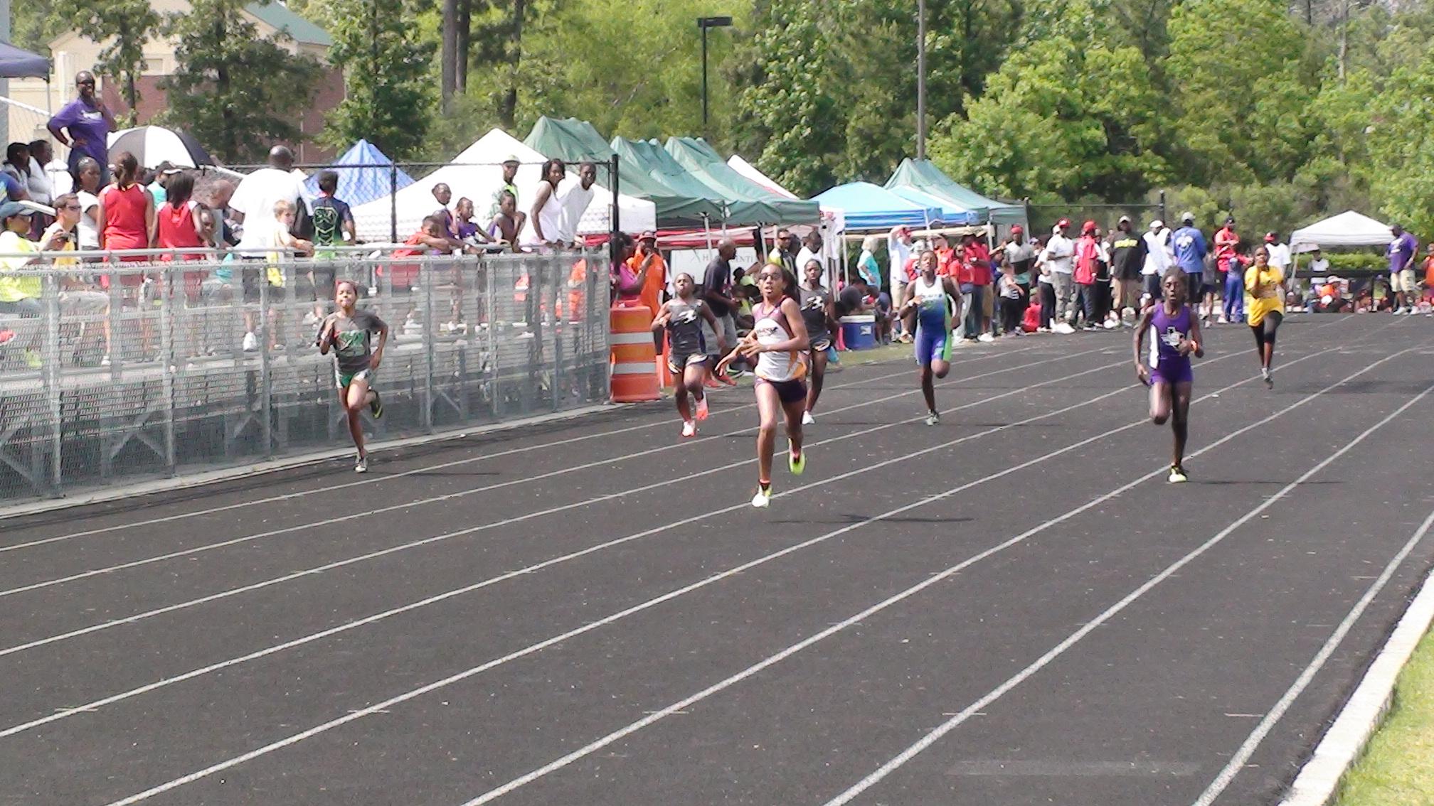 Nylah running the 200m