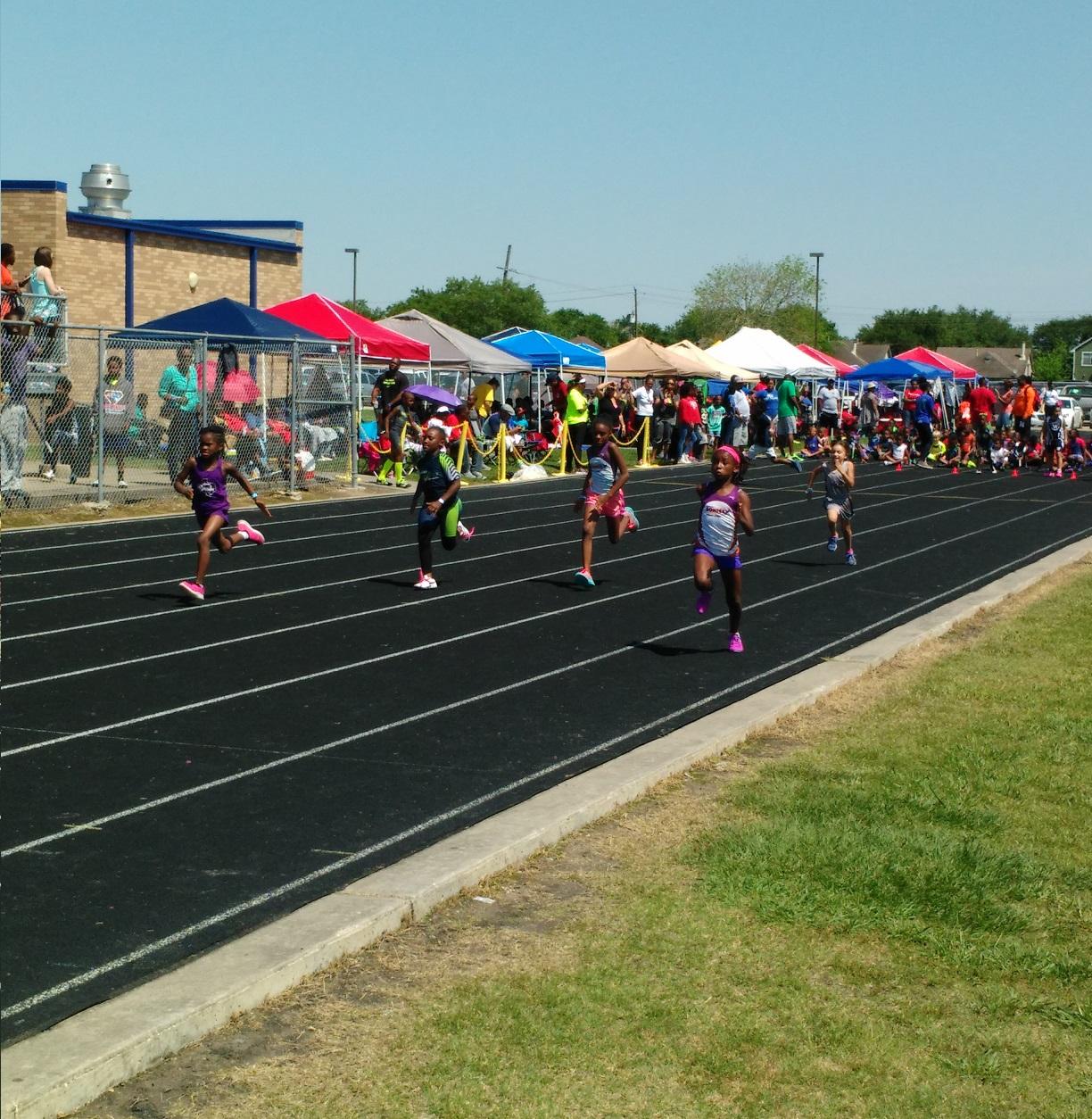 Ryann running the 100