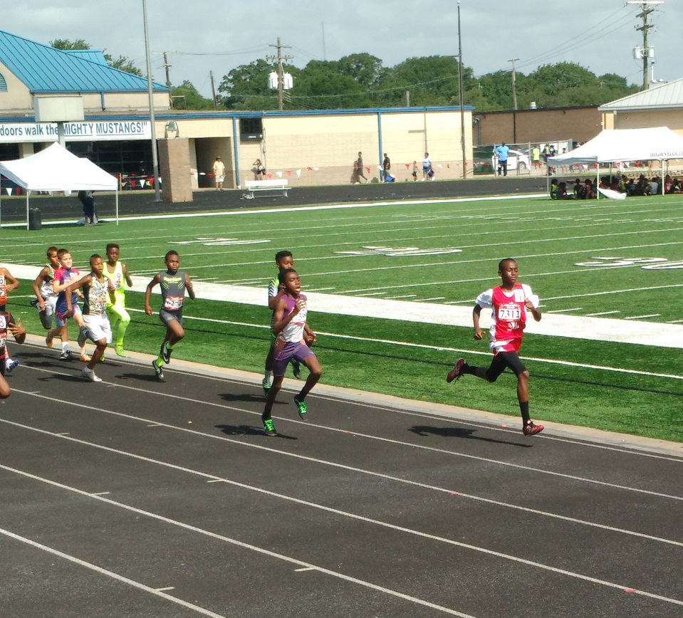 Todd running the 800