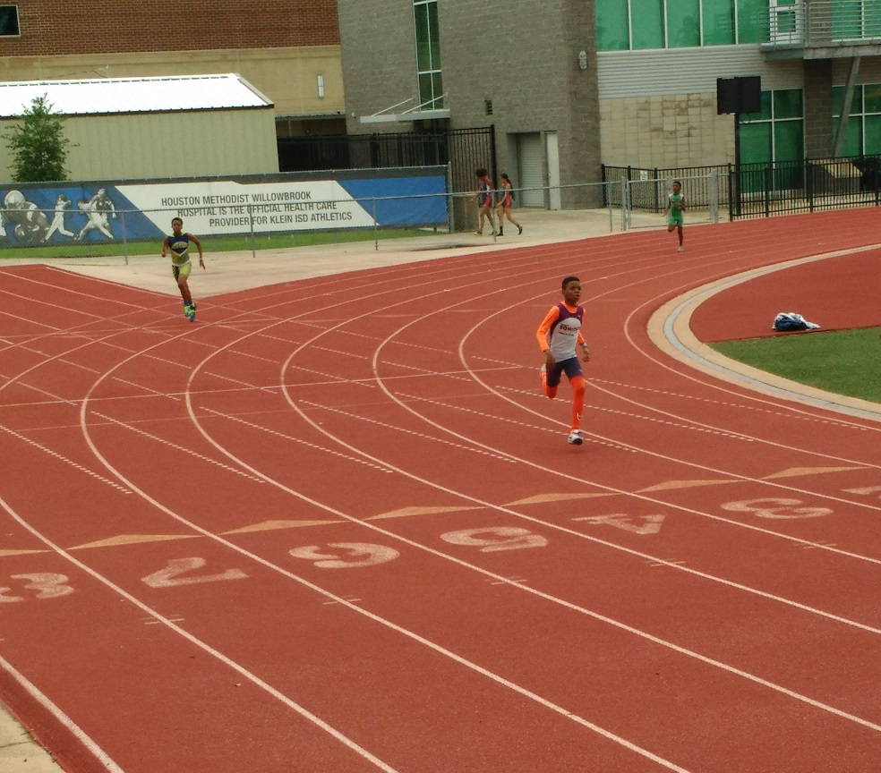 Jonathan running the 400