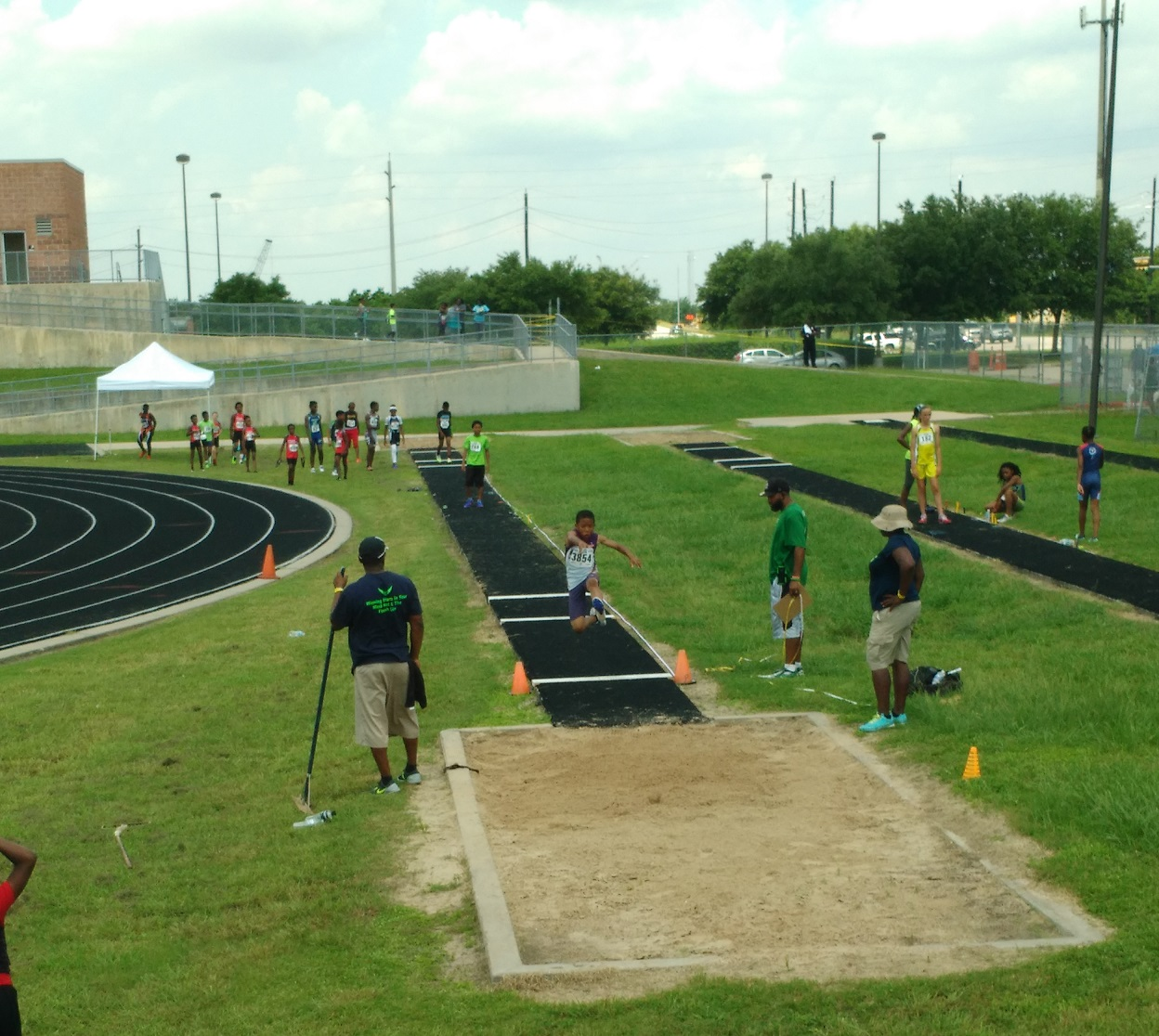 Arik in the long jump