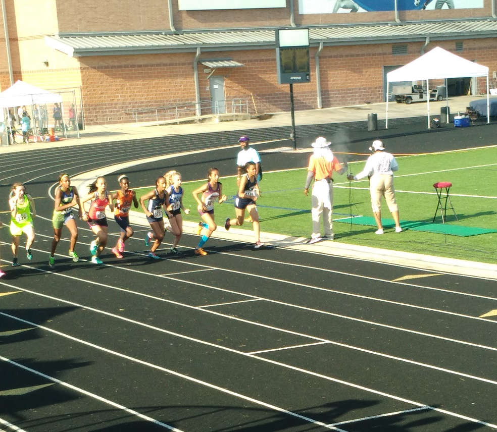 Michelle running the 1500