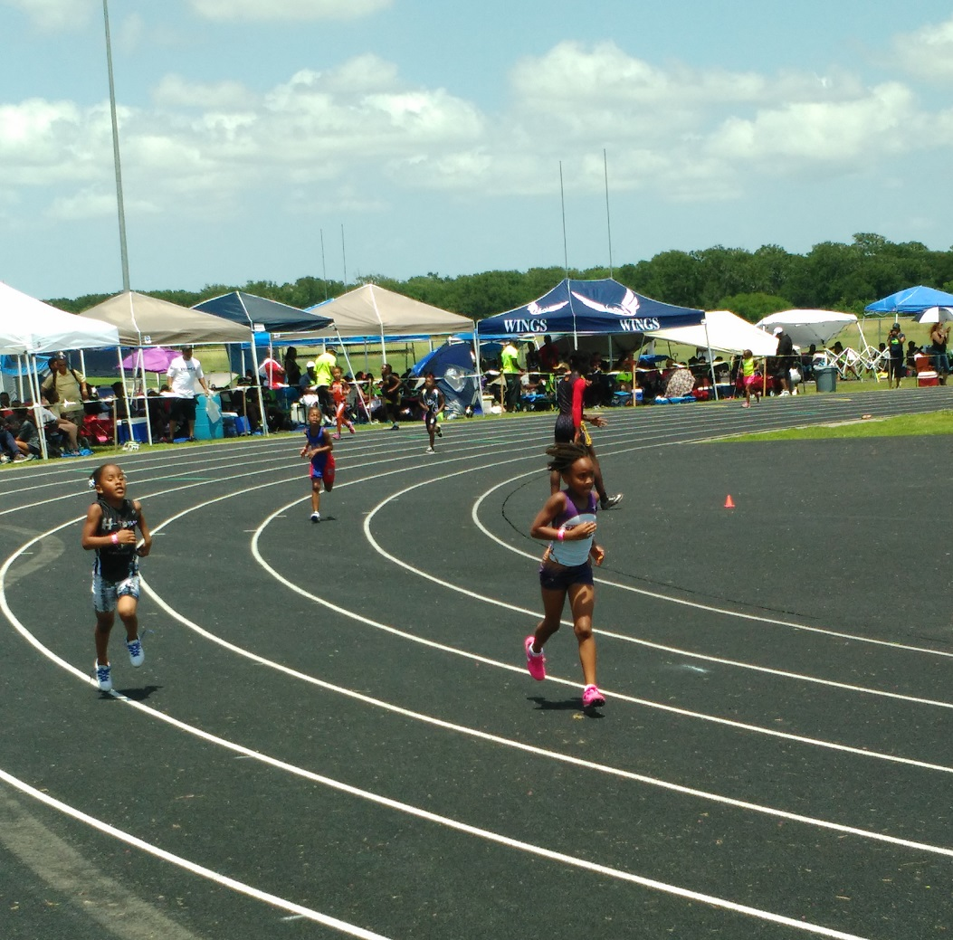 Layla running the 400