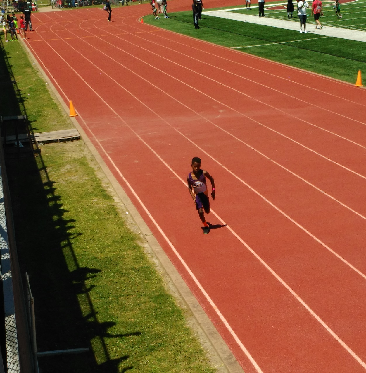 Cayden running the 400