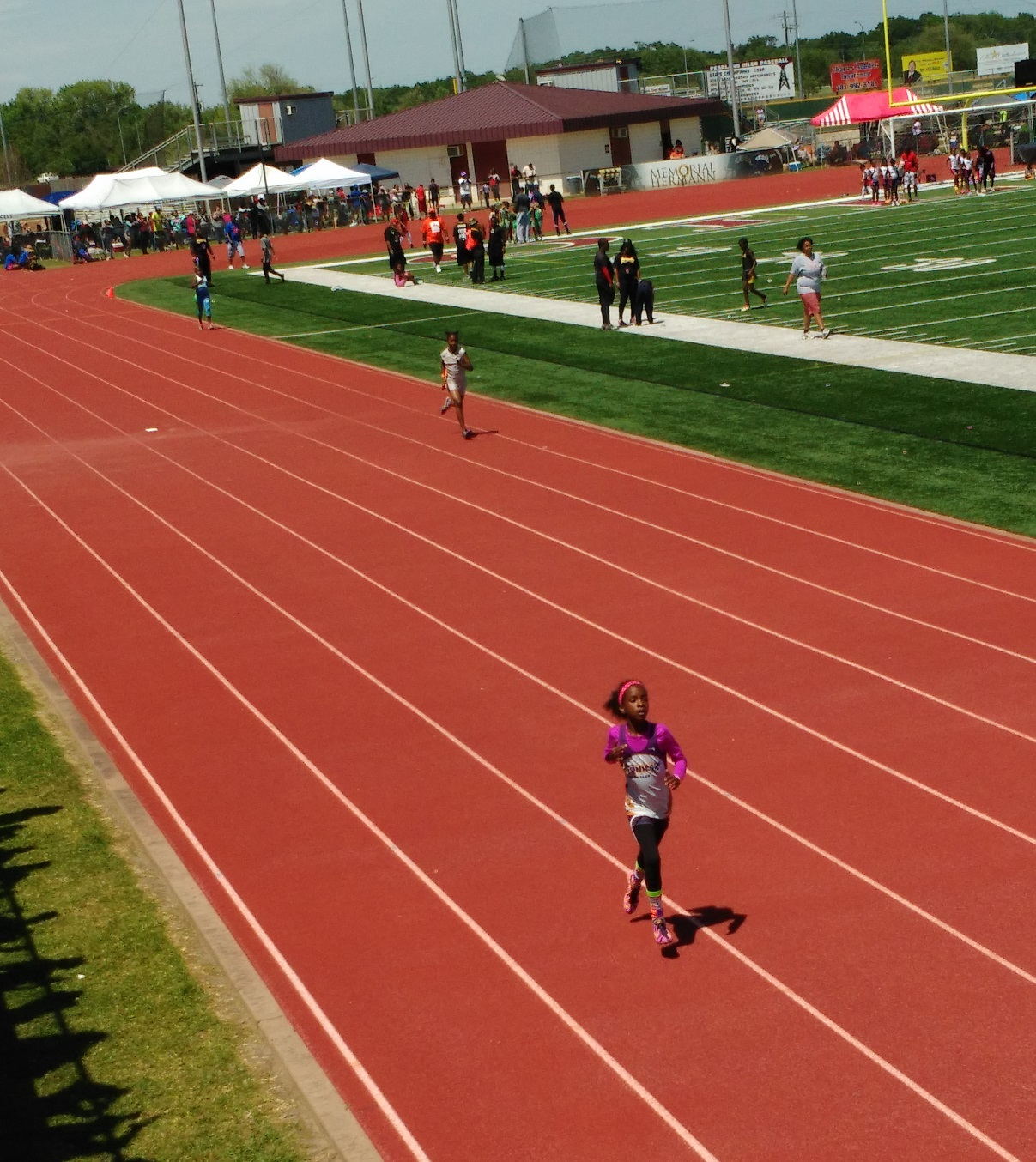 Tia running the 400