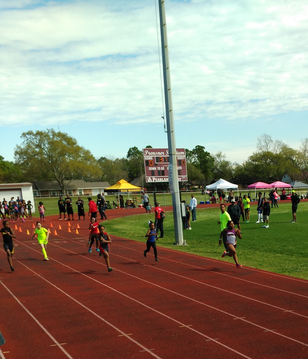 Octavia running the 100