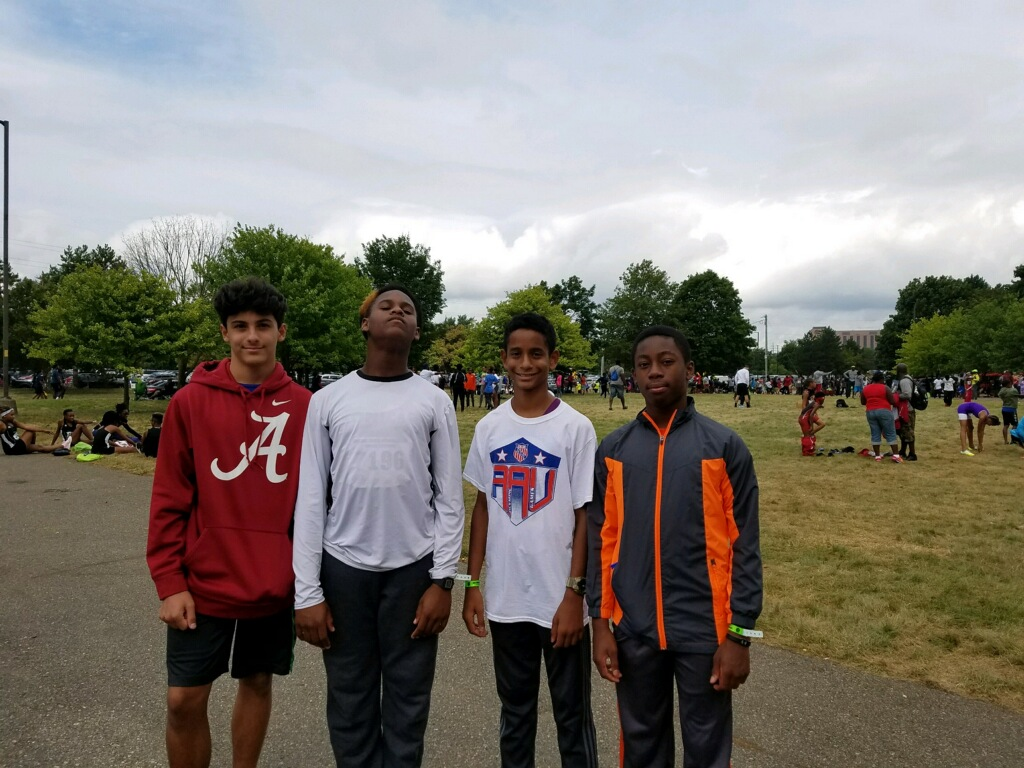 13-14 Boys 4x400 relay