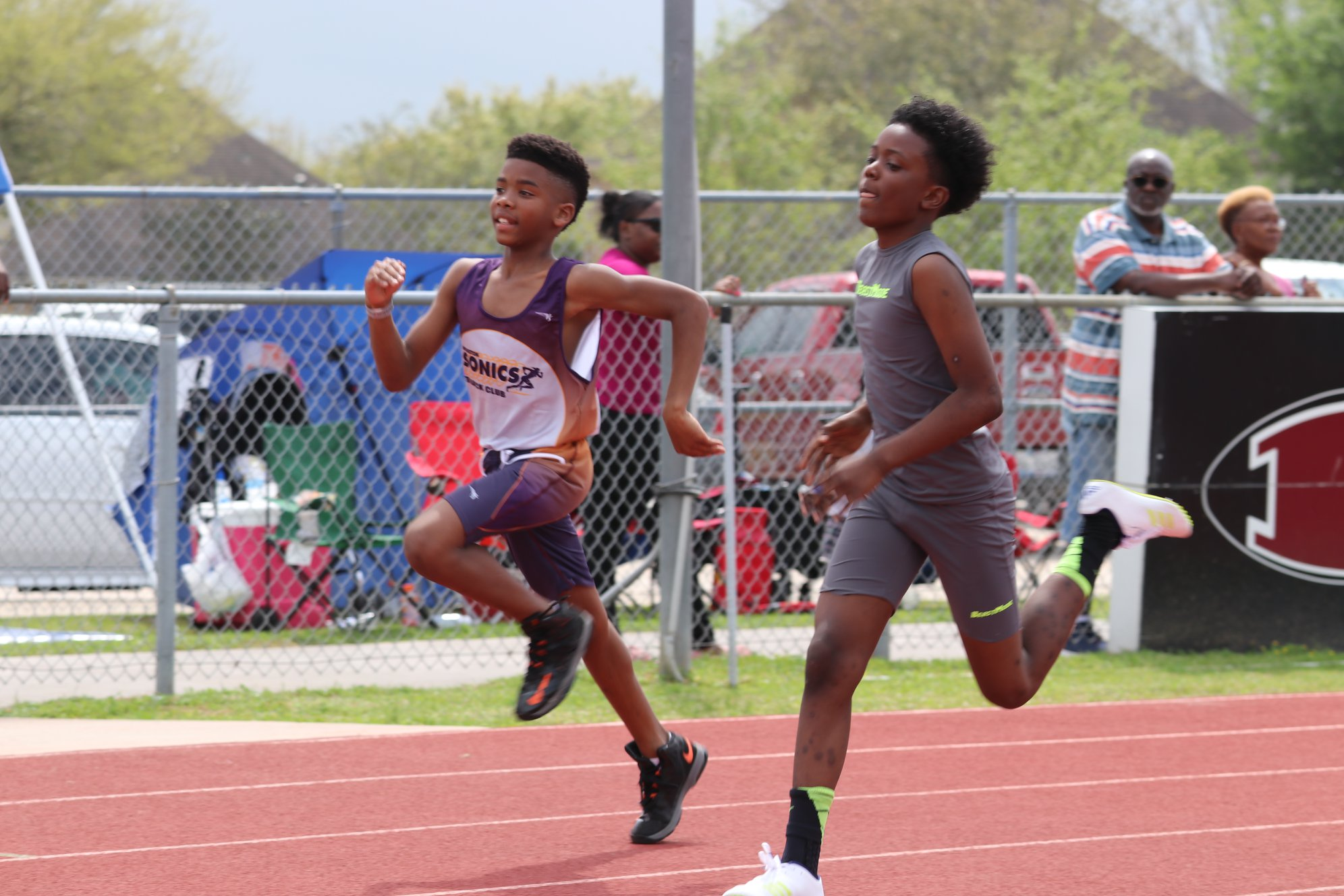 Camron running the 400