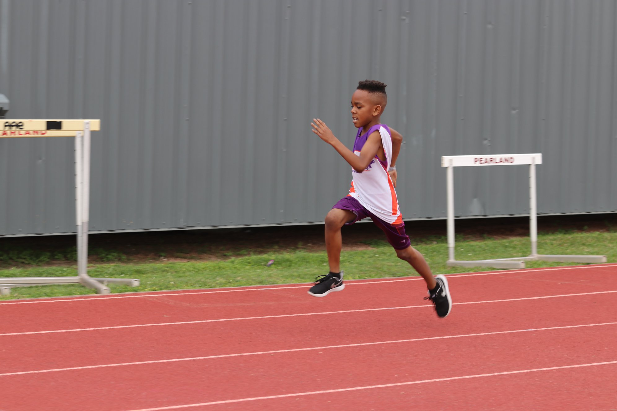 Kevin running the 400