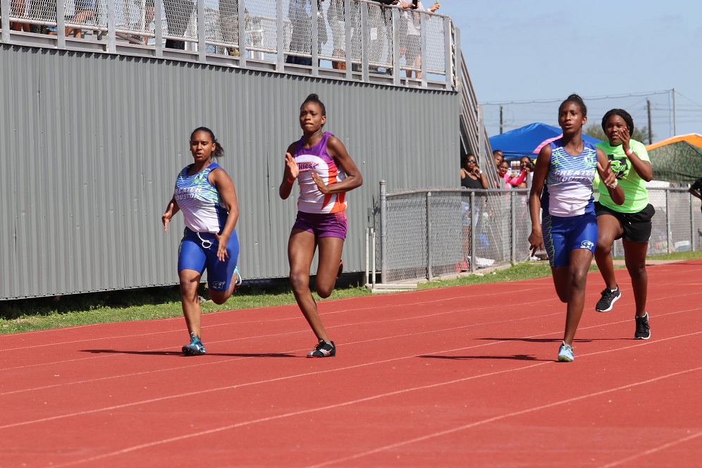 Jaida running the 100