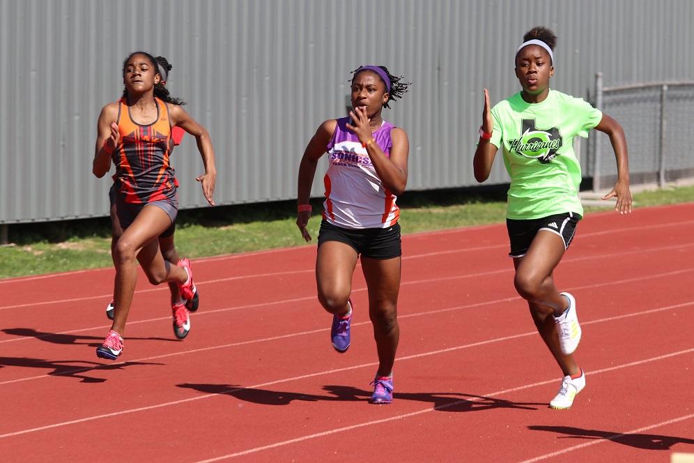 Regan running the 100
