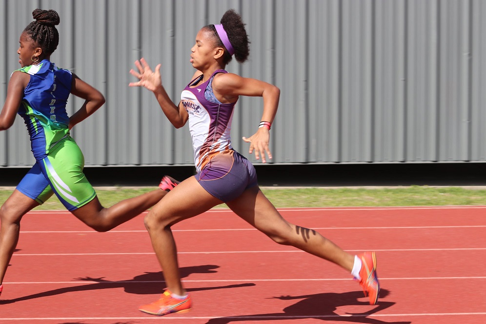 Shayda running the 100