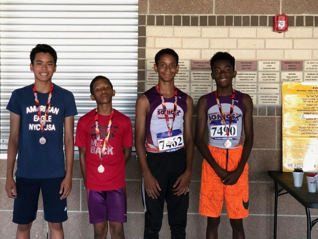 13-14 Boys 4x800 relay team